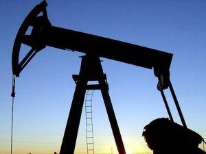 Petrol fiyatı stok verisiyle yükseldi