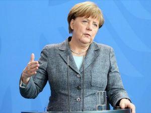 Merkel'den Türkiye-AB anlaşmasına ilişkin açıklama