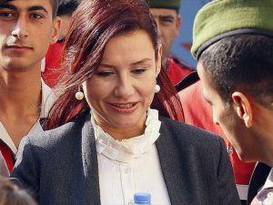 Şarkıcı Deniz Seki yeniden yargılanmayı talep etti