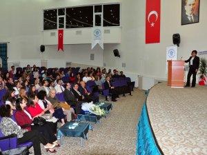 Prof. Dr. Füsun Özer'den konferans