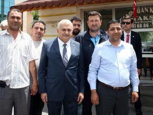 Başbakan Yıldırım'dan taksi durağına ziyaret