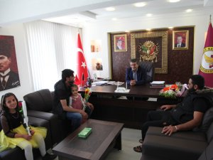 Suriyeli öğrencilerden Belediye ziyareti