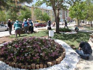 Seydişehir'in caddeleri çiçek gibi