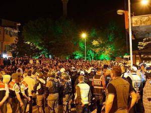 Kütahya'da Türk bayrağı yakıldığı iddiaları gerginliğe neden oldu