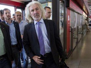 Türkiye'nin Berlin Büyükelçisi Karslıoğlu Almanya'dan ayrıldı