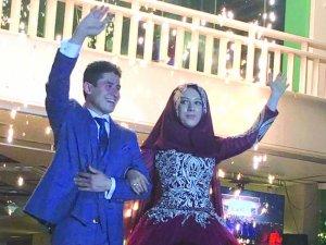 Elif İle Osman'ın Nişan Mutluluğu