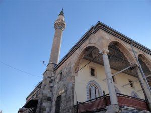 Camiler Ramazan'a hazır