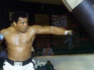 Muhammed Ali'nin ölümü spor dünyasını yasa boğdu