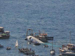 Aydın'da kargo uçağı suya batırıldı