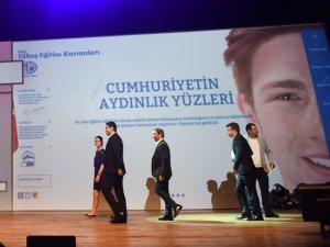 """Diltaş'ın """"14.Altın Örümcek Web Ödülleri""""nde Gurur Gecesi"""