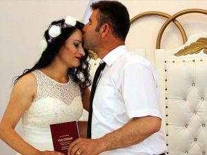 Evlenmek için '06.06.2016'yı seçtiler