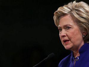 Clinton Demokrat Parti'nin başkan adaylığını garantiledi