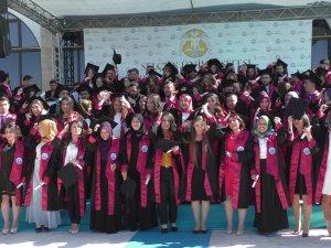 Beyşehir İletme Fakültesi'nde mezuniyet heyecanı