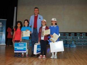 Akşehir 1 milyon kitaba koşuyor