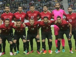 Türkiye'nin ilk maçını Eriksson yönetecek
