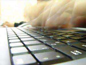 Almanya'da 560 bin kişi internet bağımlısı