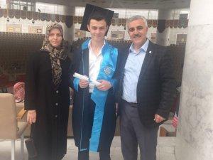 Öztürk ailesinde mezuniyet heyecanı