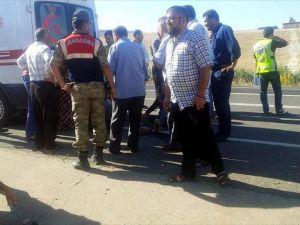 Suriyeli işçileri taşıyan pikap devrildi: 2 ölü, 20 yaralı