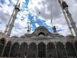 Çamlıca Camisi'nin avlusunda Kadir Gecesi coşkusu yaşanacak