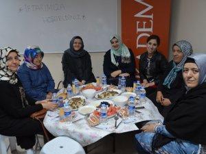 KADEM Konya Temsilciliği üyeleri iftarda buluştu