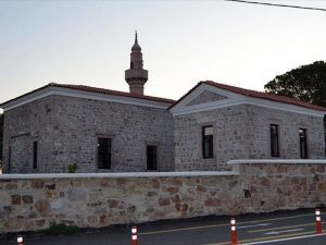 Balıkesir'de tarihi camiden 150 yıllık duvar saati çalındı