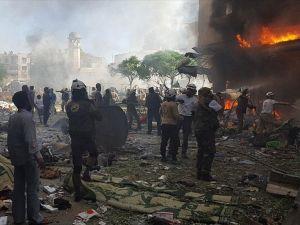 Esed güçleri ve Rus ordusu pazar yerine saldırdı: 21 ölü