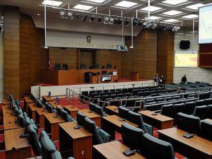 Sanık avukatları duruşma salonunu terk etti