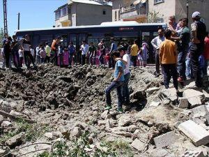 Teröristlerin tünel kazarak yola döşediği patlayıcı imha edildi