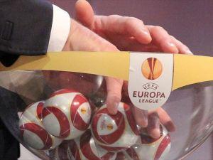 Eski FIFA Başkanı Blatter'den Avrupa kupalarında 'kuralarda hile' iddiası
