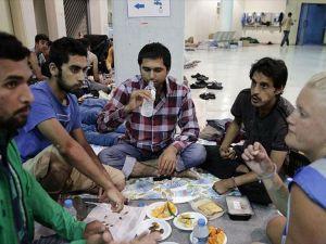 """Sığınmacıların """"araftaki"""" ramazanı"""