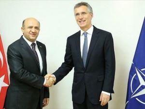 Milli Savunma Bakanı Işık Brüksel'de