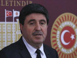 'Kürt siyasetinin bir tercihte bulunması lazım'
