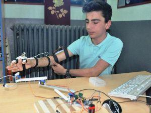 Polislerin güvenliği için 'robot kol' geliştirdi