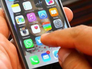 'Yoğun cep telefonu kullanımı el ağrısına yol açıyor'