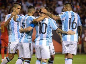 Arjantin 3'te 3 yapan tek takım oldu