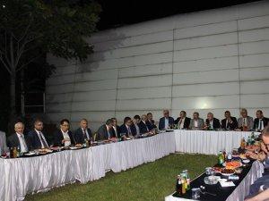 Oda Başkanları SMMO bahçesinde