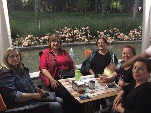Hanımlar Evliya Çelebi Parkı Kafem'deler