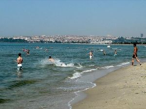 'İstanbul'un plajları temiz'
