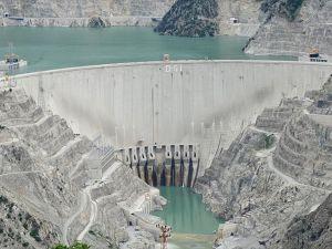 Deriner Barajı'ndan milli ekonomiye 500 milyon lira katkı