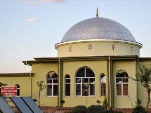 Şehit savcı Kiraz adına yaptırılan cami ibadete açıldı