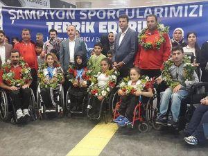 Engelli milli sporcuların madalya gururu