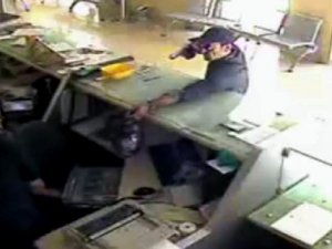 PTT soyguncunun suç dosyası kabarık çıktı
