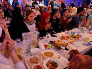 Moskova'da 'Türkiye akşamı iftar programı' düzenlendi