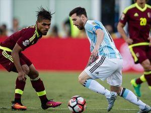 Copa America'da Arjantin ve Şili yarı finalde