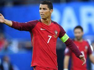 Ronaldo ile özçekim Portekiz'in başına dert açtı