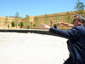 Başkan Akyürek, Ecdad Parkı'nda İncelemelerde Bulundu