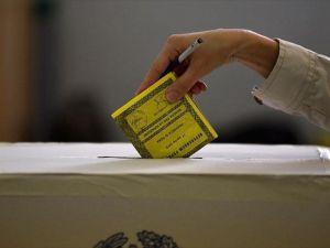 İtalya'da kısmi yerel seçimlerde oy verme işlemi sona erdi
