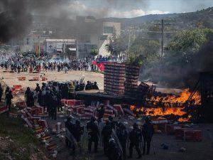 Meksika'da eğitim reformu protestosu