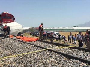 Elazığ'da hemzemin geçitte kaza: 7 ölü, 2 yaralı