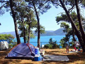 Otellere alternatif serinleten tatil: Çadır kampı
